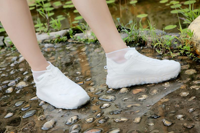 Silicone Shoe Covers That Can Protect Your Shoes On Rainy Day
